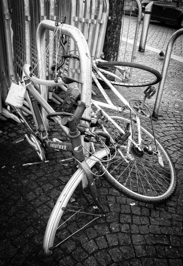 Tangle of bikes 2-1873