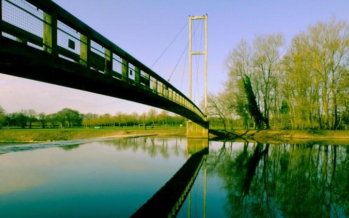 Reflection of bridge 2-2511